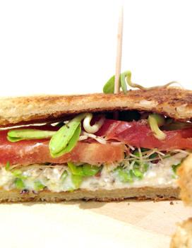 Sandwich tomate radis